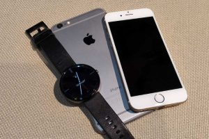 Android Wear Moto 360 With iPhone iOS